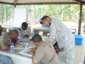 800px US Army 52782 Mentoring the next generation